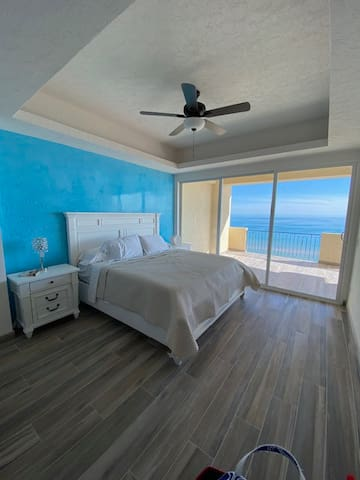 Master bedroom with outstanding Views