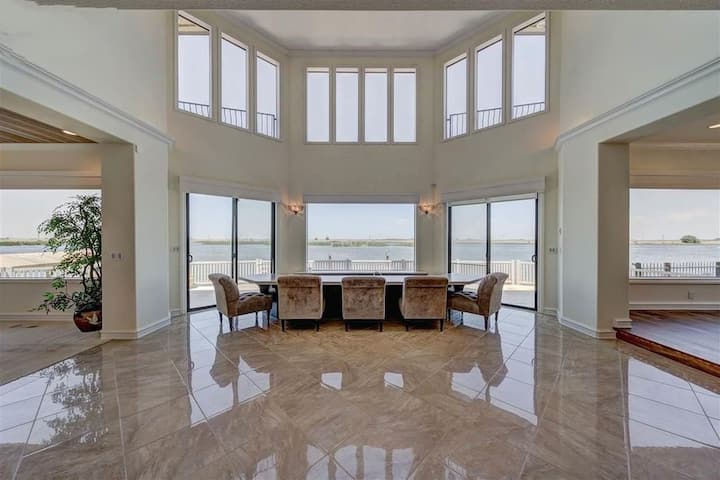 Luxury Retreat with Waterfront View Delta Access