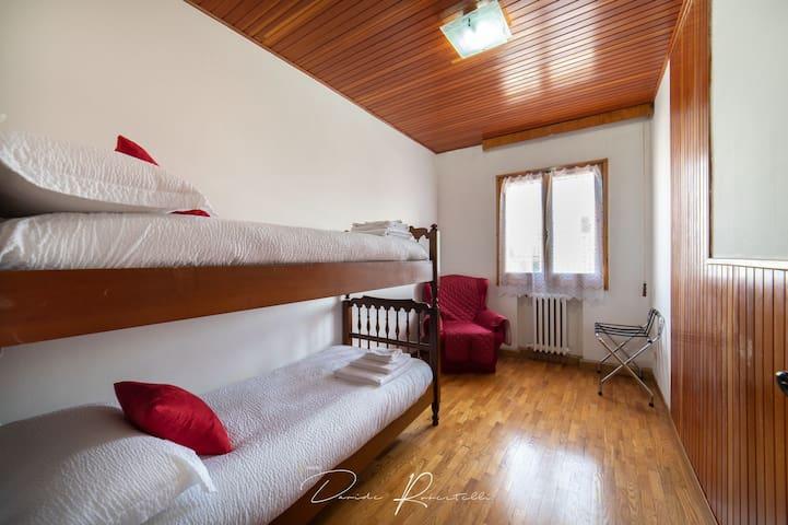 Camera da letto #2