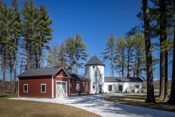 RENOVATED BERKSHIRE COUNTRY CASTLE