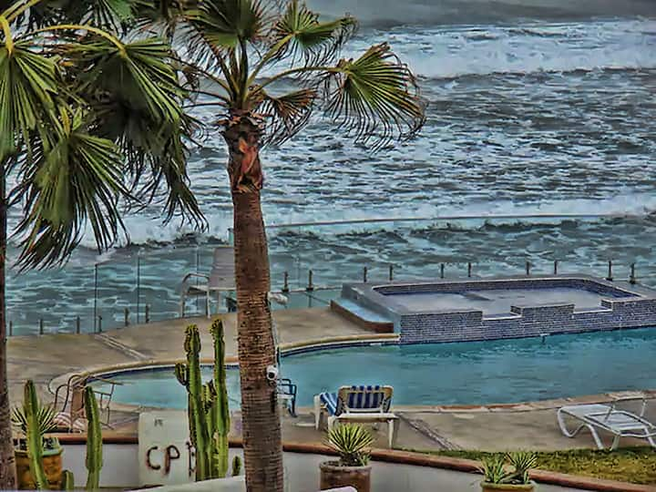 ***Mar Alta Suite*** - pool,  jacuzzi, beach & bbq