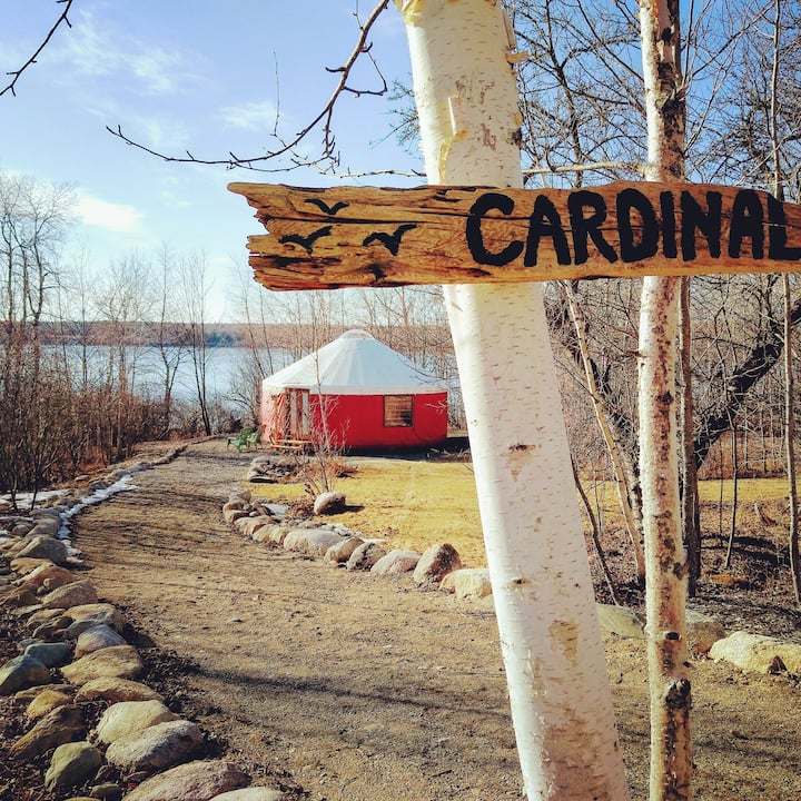 Stockton Harbor Yurts Cardinal PRIVATE BEACH, COZY