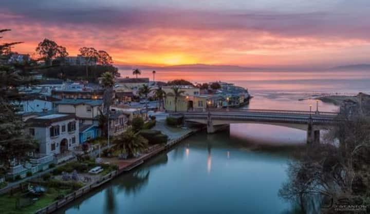 Famous Capitola Village  -  Studio Apartment
