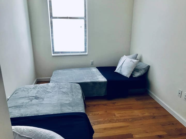 Shared room on Central Park 1