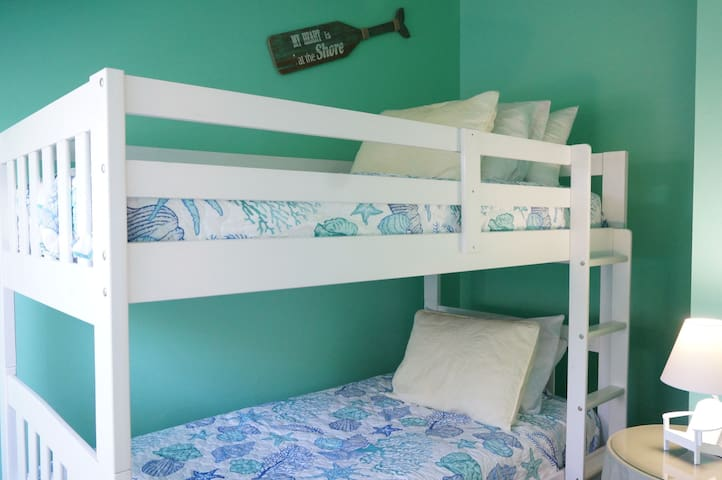 Third bedroom with bunkbeds