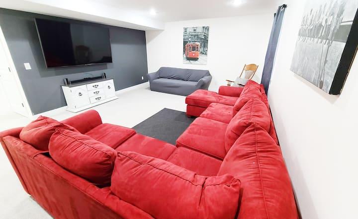 Stunning, Bunk Room, HUGE TV!, Cozy Sleeps14+