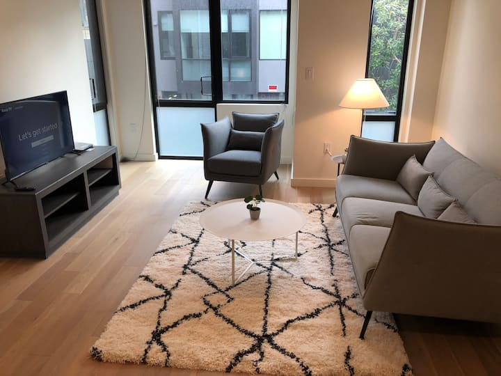 Beautiful Soma Condo with Office-Gym and Views