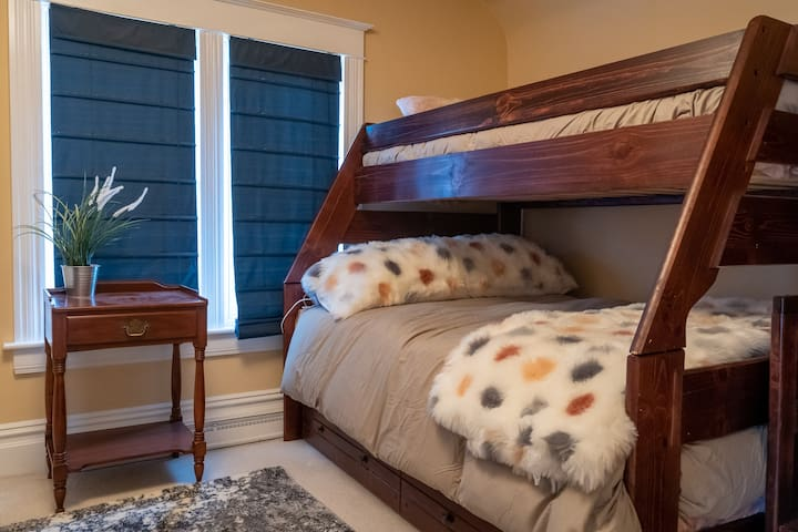 BUNK ROOM with TV! Pull out the lower trundle bed and enjoy this fun space with the ability to sleep 4-6 comfortably.