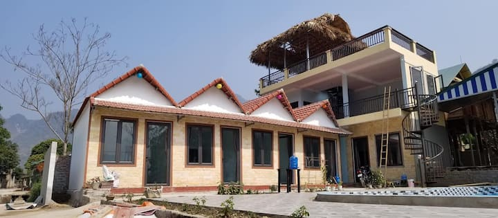 Bungalow with panoramic view(pool& fields)