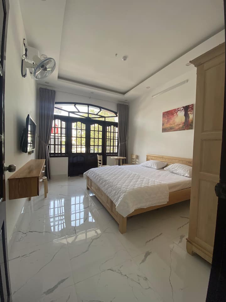 Yến Vy Homestay - BBQ & King bed