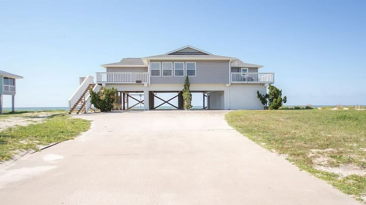 Spacious Gulf Front Home on Extra Wide Lot!