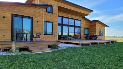 Indoor/Outdoor Living with 4-Peak Teton View