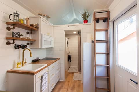 Modern Farmhouse Tiny Home in Central Fort Worth