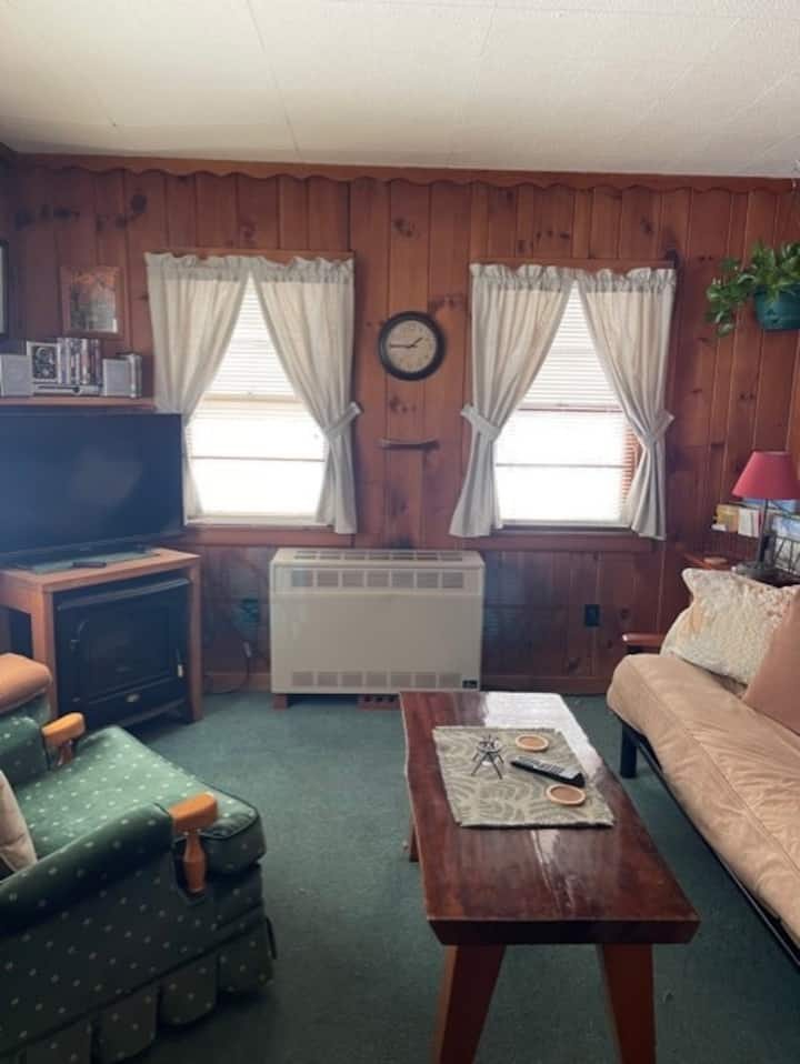 The Cozy Cottage in Keene - Adirondack Mountains!