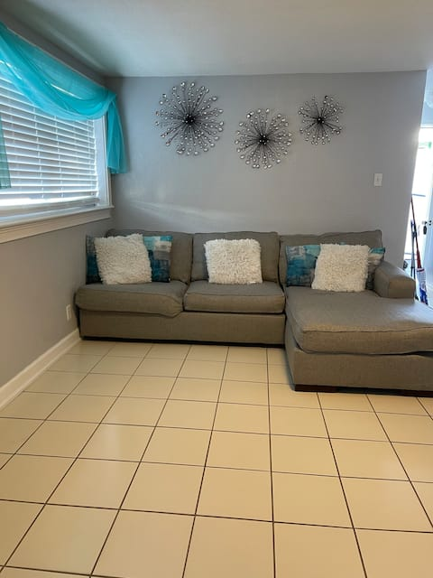 Cozy private studio located in the heart of Tampa