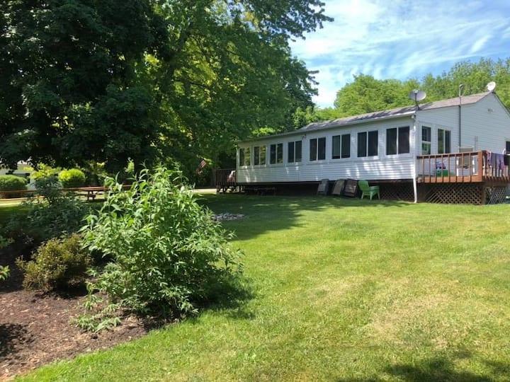Kelleys Island Cabin Fever/Duplex Unit 2