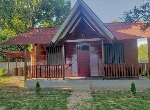 BUNGALOW ESTILO TIROLES PUCALLPA