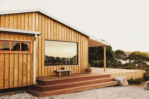 Seaforth Shack-Surrounded By Natural Beauty