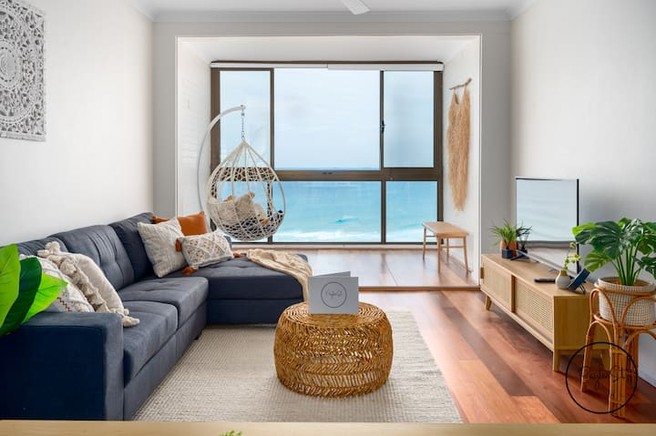Magical Merewether -Wifi included - No Airbnb Fees