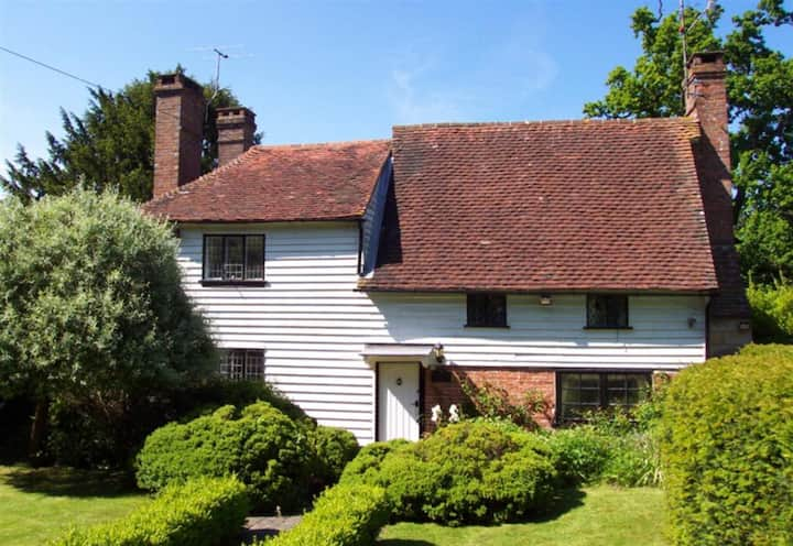 15thC character cottage with stunning features