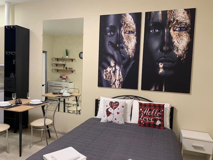 New Academic st. Apartment 16