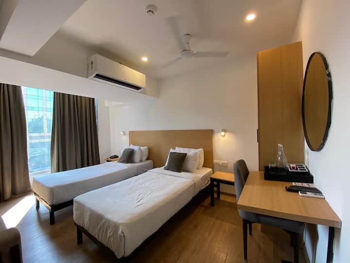 Elite Homes:10,11&12, JB Nagar Andheri - East