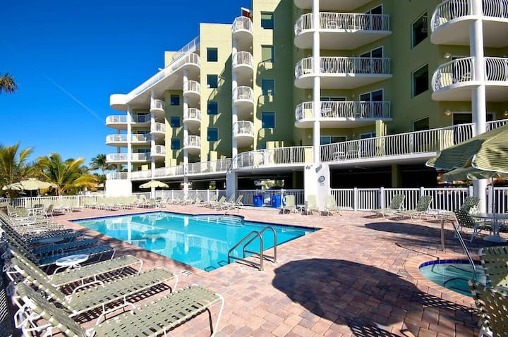 Large 2 bed/2 bath condo with private balcony.