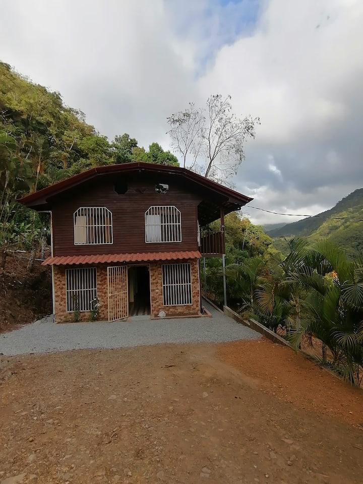 Villa Crestones