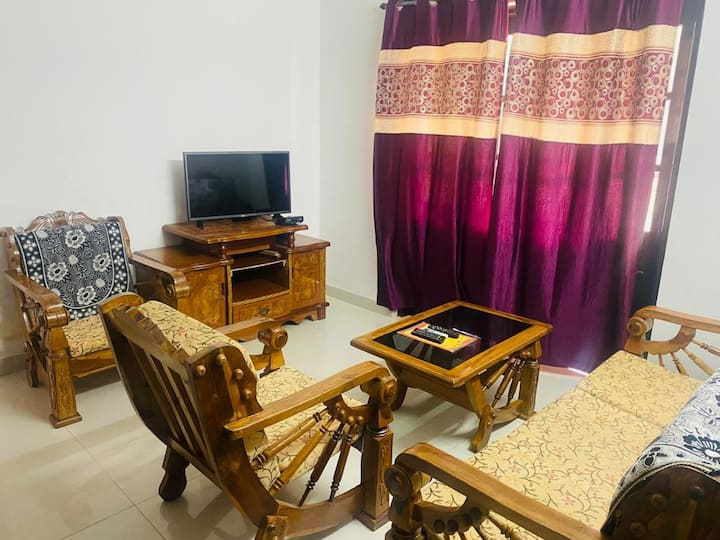 Affordable 1BHK in Candolim for 4 adults with wifi