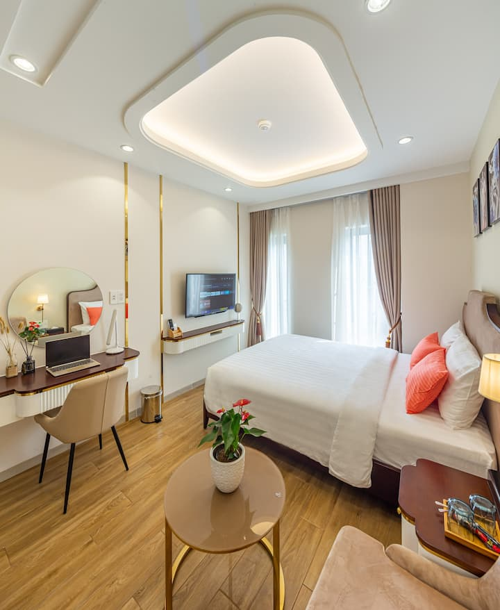 Nice Apt with full serviced at Phu My Hung
