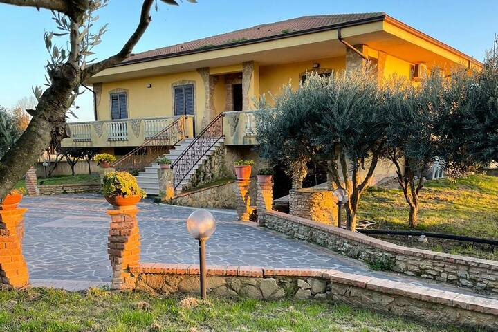 VILLA IN THE GREEN IN RELAX WITH NEAR THE SEA