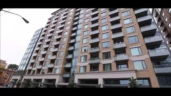 2BEDROOMs 2 BATHROOMs condo to be SHARED