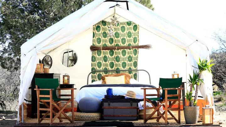 Safari Glamping: Waypoint Outposts -Jackal Tent