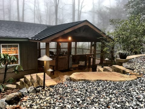 Cozy Appalachian Trail Cabin - Suches - Woody Gap