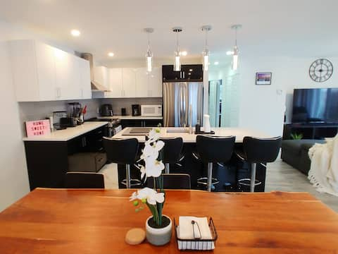 ★MODERN★PRIVATE★2BD★WORK-FROM-HOME HAVEN★