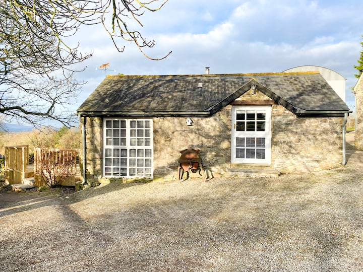 Traditional Stone, Cosy & Romantic Cottage