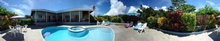 Affordable, five bed villa, a/c,  pool & jacuzzi