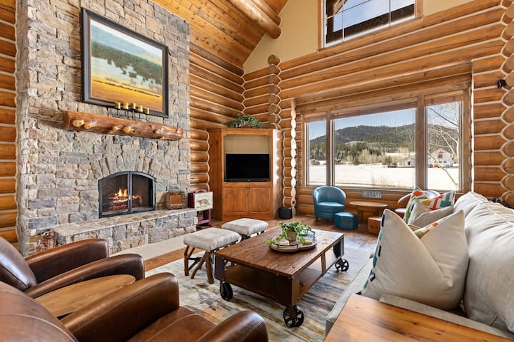 Restful Adventure Cabin at Teton Springs Lodge & Spa