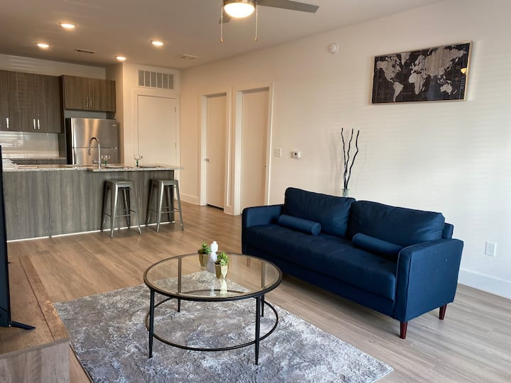 Great Location Downtown ATL With a Private Patio!