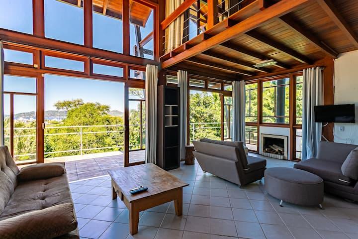 Casa em meio à natureza c/ vista p/ Lagoa AGAA5402