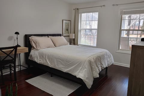 Peaceful, clean, and comfortable room