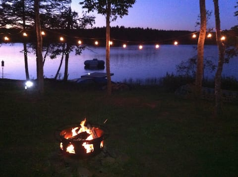 Unique off grid,  Lakefront Cabin