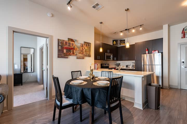 Very attractive 2 bed 2 bath apartment by ASU