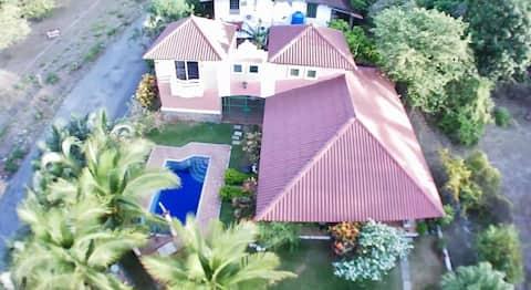 Красивый дом всего в 700 метрах от пляжа