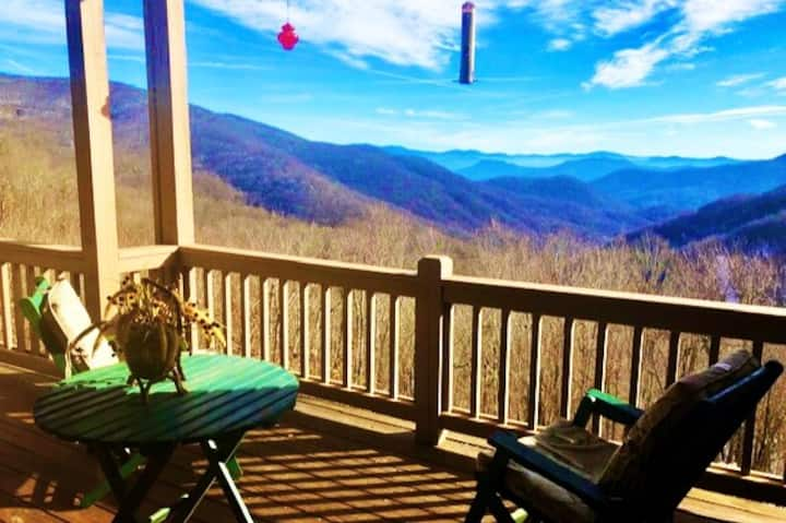 Come Relax! DIRECT Mountain View, Fireplace, Ski!