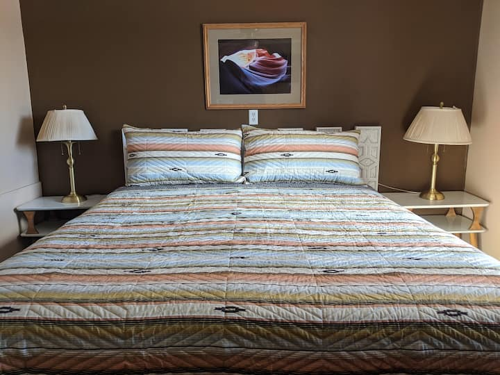 King Room, Red Rock Charm Kanab
