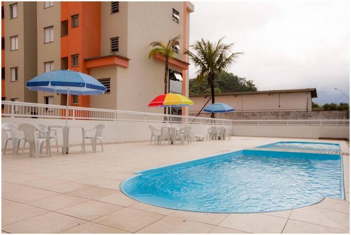 Condomínio Sun Way com piscina e churrasqueira