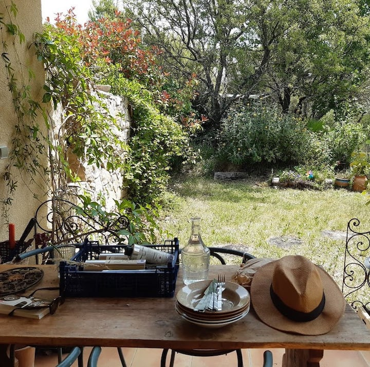 House with garden, to discover Provence