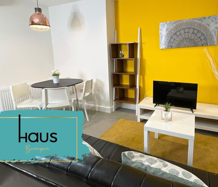 Haus Apartments 1 Bed with Parking, Gym & Sauna