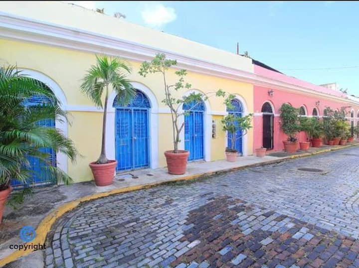 SJB-Iconic Spanish Colonial 1 Bedroom Old San Juan